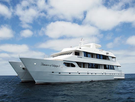 Take a cruise of the Galapagos with TerraDiversa.