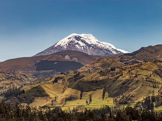 TerraDiversa provides tours along the Avenue of the Volcanoes in the Andes in Ecuador taking you between Quito and Cuenca